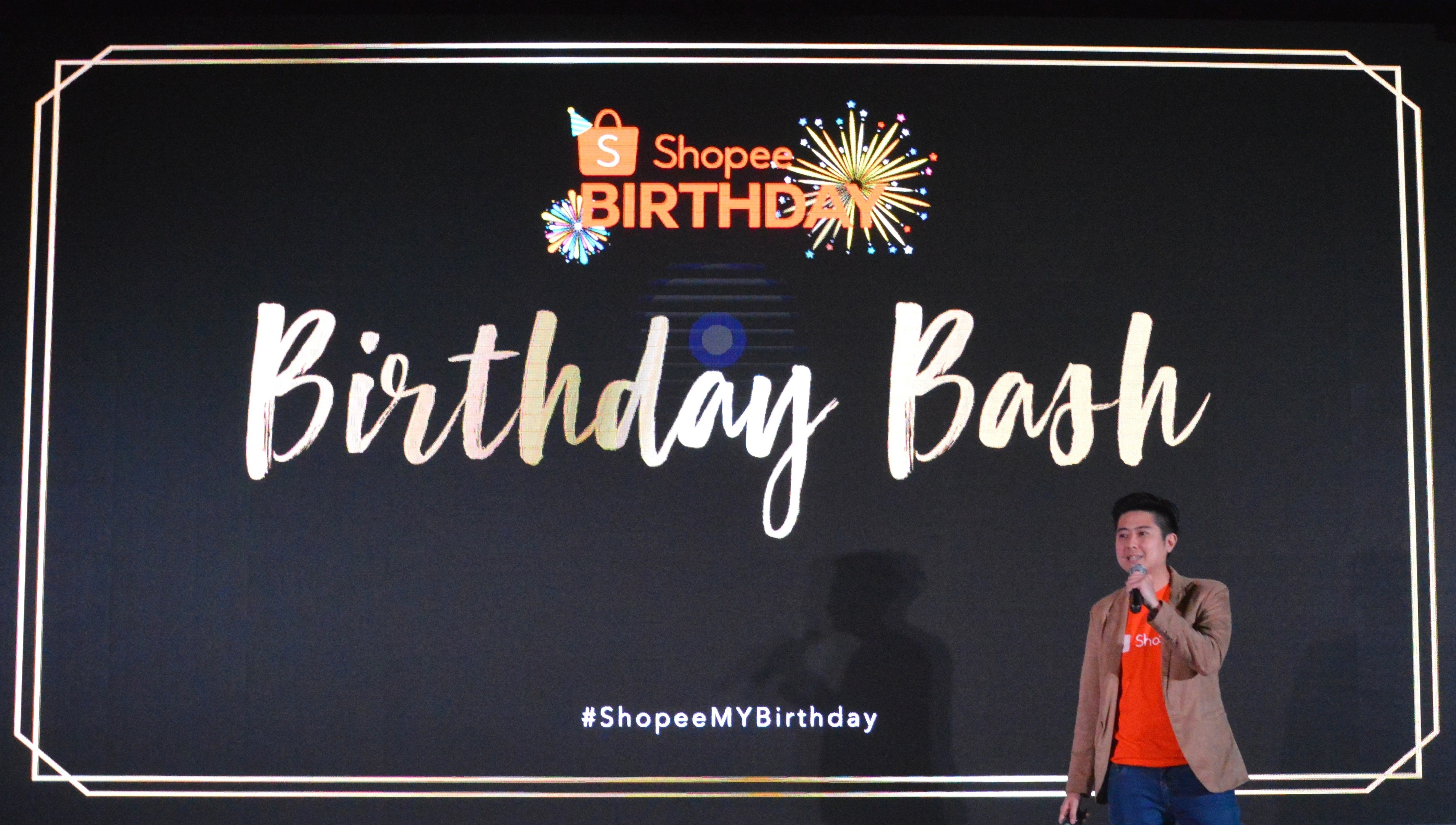Afo Radio Events Tendencies Kaos Japanese City Hitam L Shopee Celebrates Birthday With Massive Promotions Across Over 6 Million Products